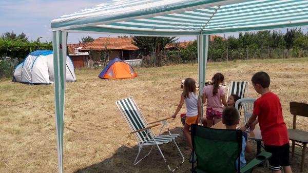 Поляна за палатки